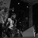 ladispoli vintage officina19 musica ballo rock n roll live piazza rossellini market retroladispoli vintage officina19 musica ballo rock n roll live piazza rossellini market retro mikely family band_DSC0578