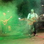 ladispoli vintage officina19 musica ballo rock n roll live piazza rossellini market retroladispoli vintage officina19 musica ballo rock n roll live piazza rossellini market retro mikely family band_DSC0496
